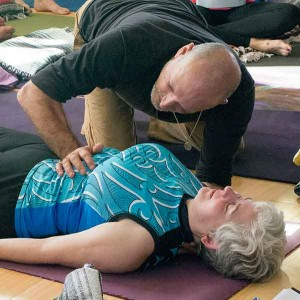 Leslie works with Della on diaphragm release.